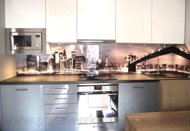Panel szklany w kuchni