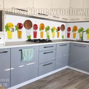 Szyby na ścianę w kuchni